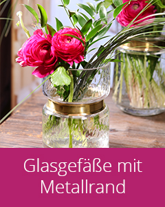 Glasvasen mit Metallrand